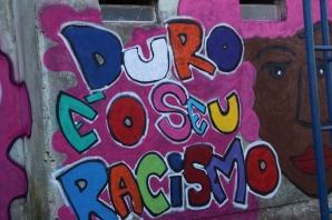 Grafite produzido nas Oficinas do Ponto de Cultura com as jovens da Chácara do Banco - Restinga.